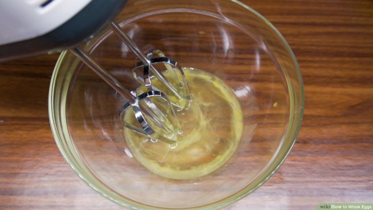 aid104722 v4 1200px Whisk Eggs Step 14 Version 3